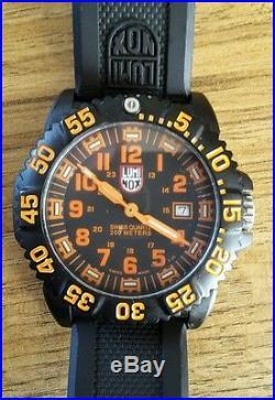 Mens Luminox Navy Seal Watch 3067 Box Papers Card Swiss Colormark